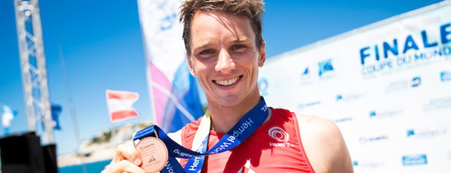 Louis Giard (RS:X), médaille de bronze. Copyright Sailing Energy